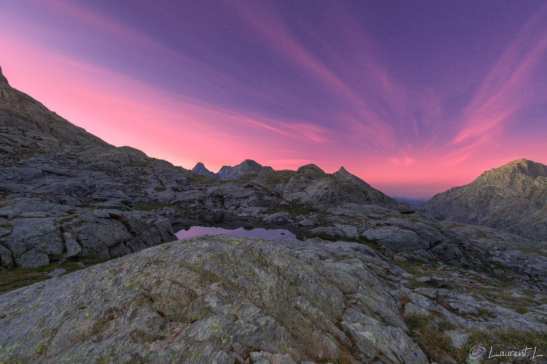 "Aurore australe  |  30,0 s à f/7,1 - 100 ISO - 15 mm  |  03/09/2016 - 06:22  |  44°6'46"" N 7°24'24"" E  |  2545 m"