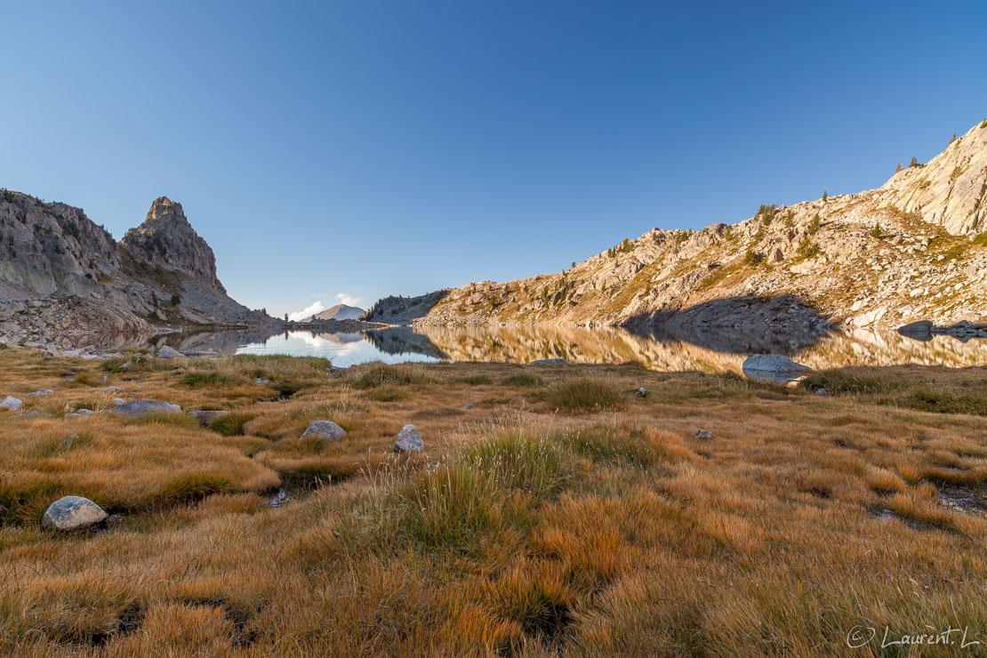 "Prairie du lac Nègre  |  1/8 s à f/11 - 100 ISO - 21 mm  |  09/09/2012 - 08:52  |  44°9'41"" N 7°14'9"" E  |  2353 m"