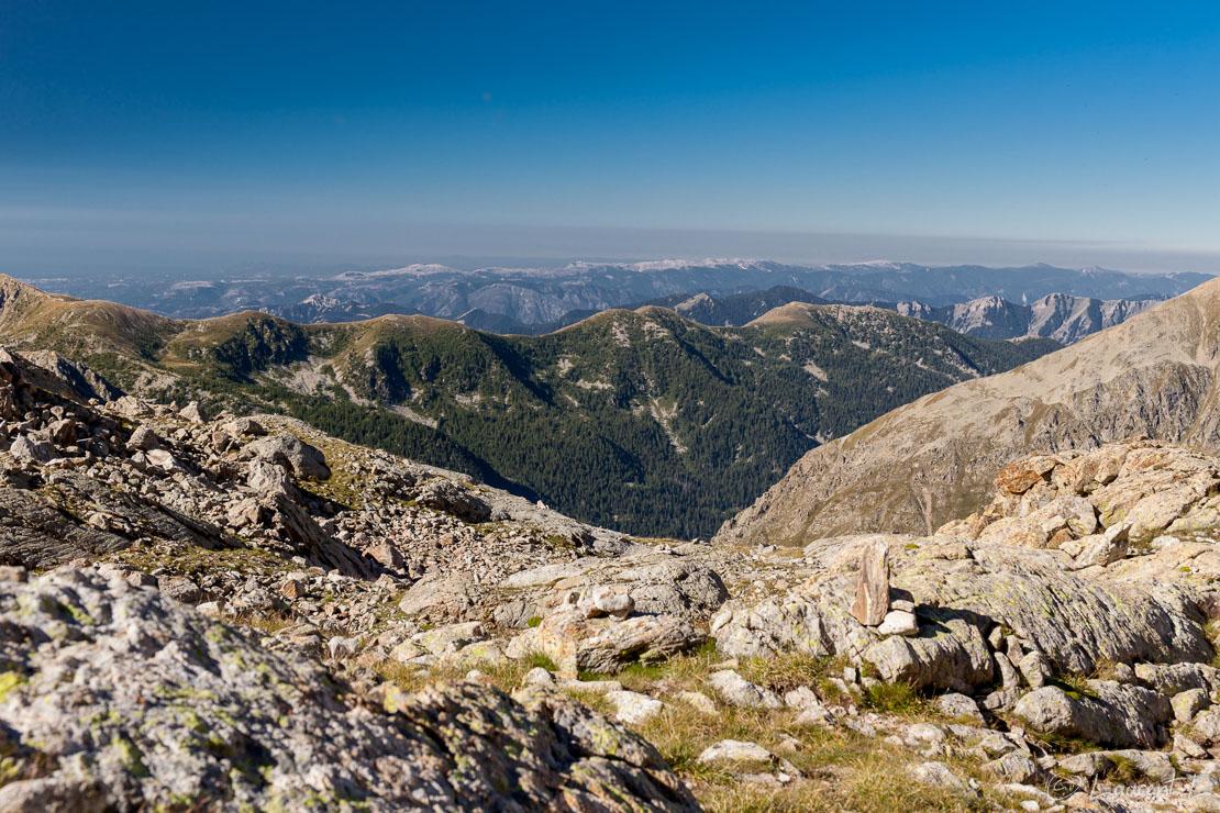 "Panorama sud depuis le lac Blanc  |  1/40 s à f/8,0 - 100 ISO - 47 mm  |  15/08/2016 - 09:40  |  44°6'60"" N 7°22'45"" E  |  2665 m"