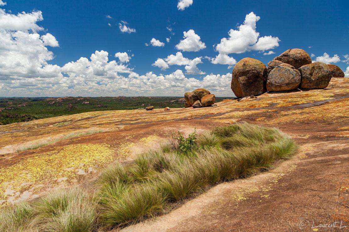 "Malindidzimu ou colline des esprits (Matobo National Park)  |  1/60 s à f/9,0 - 100 ISO - 21 mm  |  28/12/2010 - 12:14  |  20°29'38"" S 28°30'50"" E  |  1409 m"