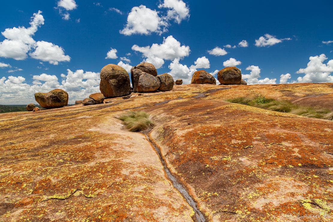 "Malindidzimu ou colline des esprits (Matobo National Park)  |  1/60 s à f/9,0 - 100 ISO - 21 mm  |  28/12/2010 - 12:16  |  20°29'37"" S 28°30'50"" E  |  1409 m"