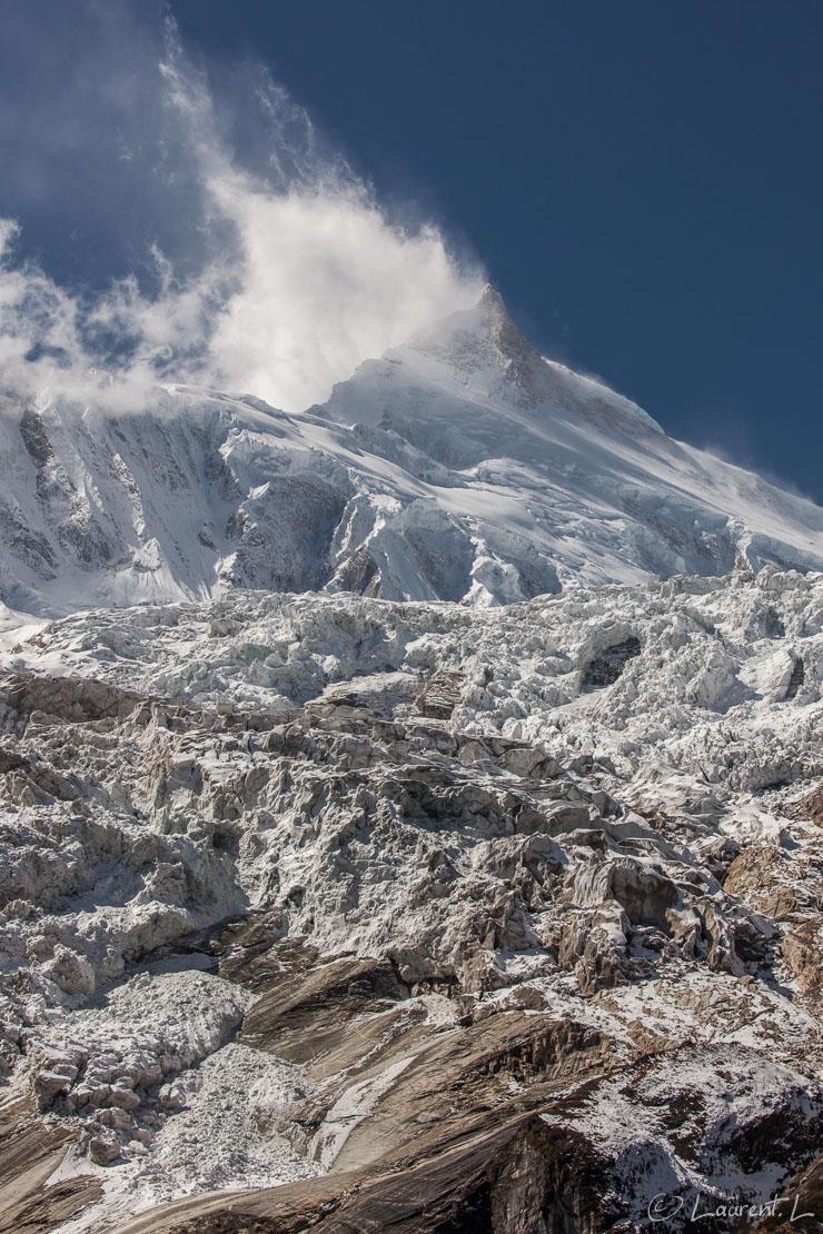 "Ice-fall du glacier du Manaslu  |  1/320 s à f/11 - 100 ISO - 70 mm  |  30/10/2013 - 10:51  |  28°35'56"" N 84°37'16"" E  |  3990 m"